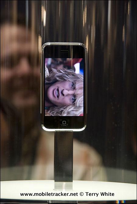 apple-iphone-front-.jpg
